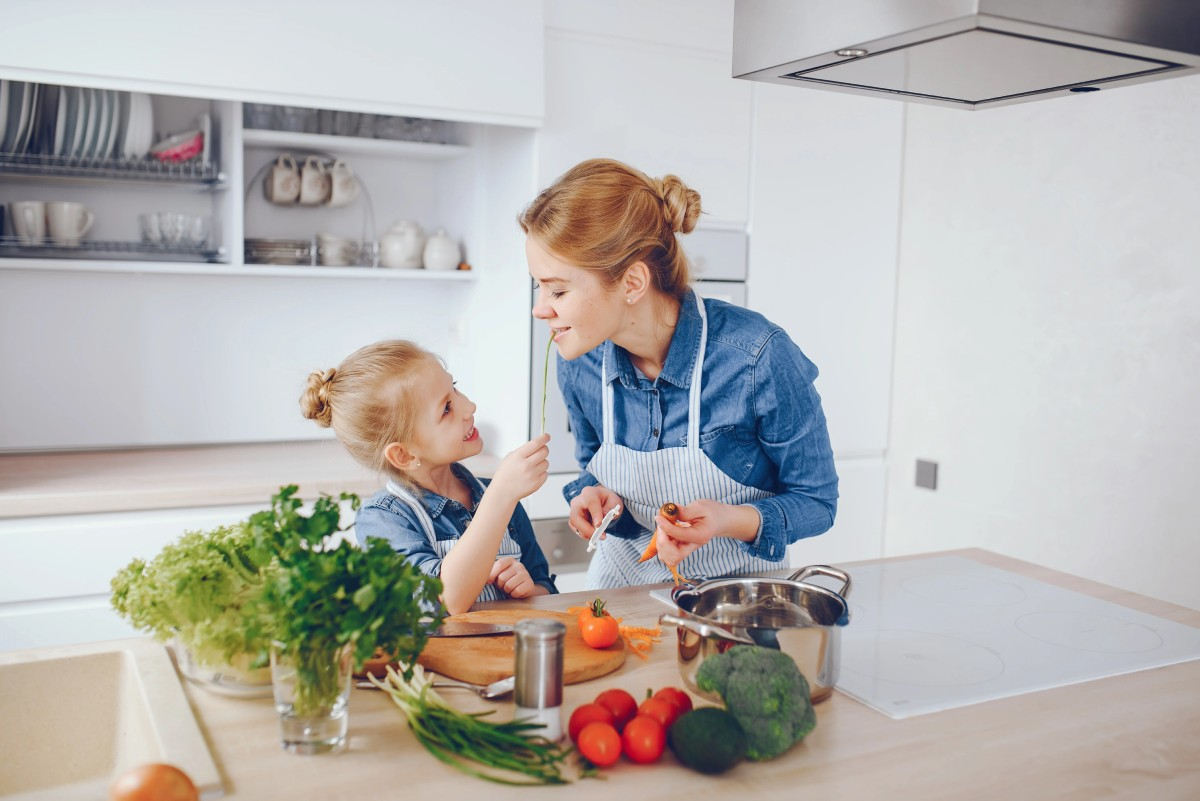 3 innovative tips to help your children learn to eat healthy